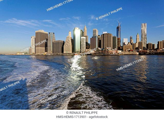 United States, New York, Manhattan, overlooking the Lower Manhatan from the East River