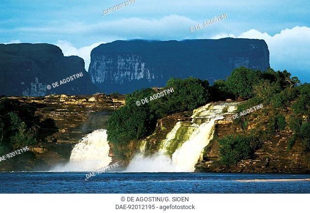 Hacha Falls, Canaima National Park (UNESCO World Heritage List, 1994), Gran Sabana, Venezuela