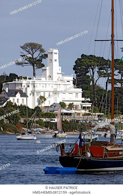 France, Finistere, Benodet from de port of Sainte Marine