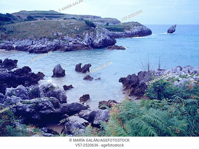 Beach and coast. Buelna, Asturias, Spain
