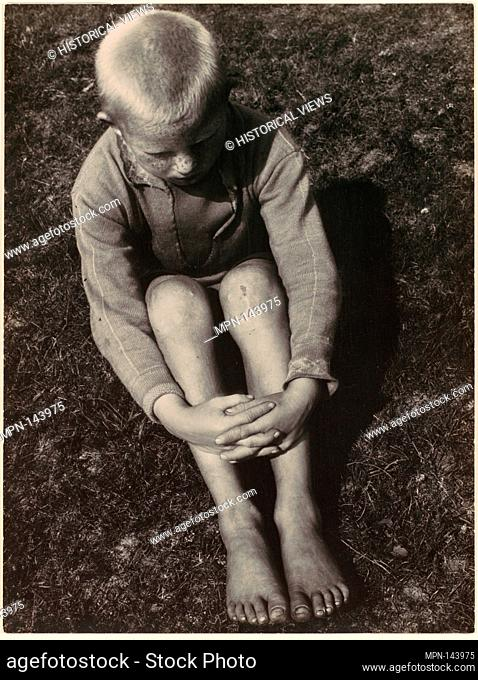 Junge vom Hiddensee. Artist: Aenne Biermann (German, 1898-1933); Date: ca. 1930; Medium: Gelatin silver print; Dimensions: 23.5 x 17