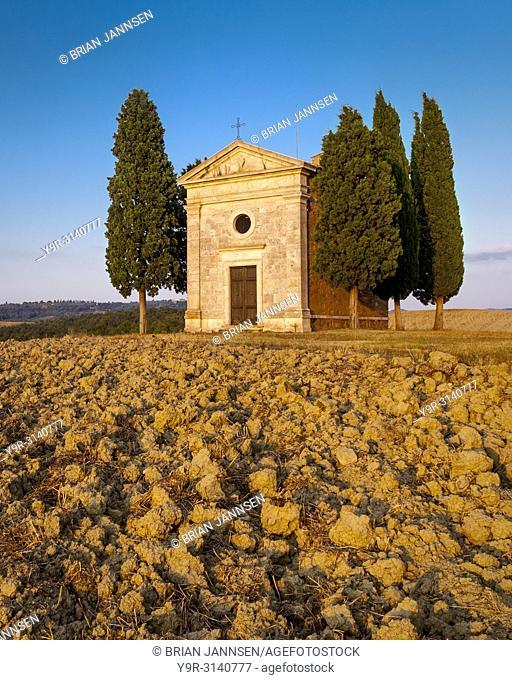 Cappella di Vitaleta at sunset, San Quirico, Tuscany Italy