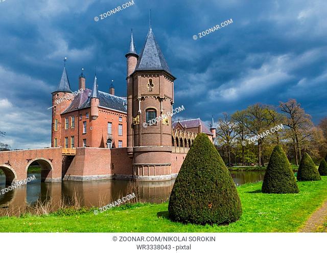 Castle Kasteel Heeswijk in Netherlands - architecture background