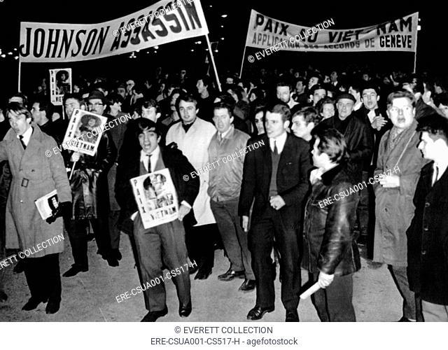 Anti-Vietnam war demonstrations in Paris. Leftist demonstrators mass in Place de la Concorde near US Embassy. Protesters carry signs reading 'Peace in Vietnam