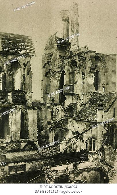 Ruins of Soissons Cathedral after World War I bombing, France, photo by Vergnol from L'Illustration, No 3969, March 29, 1919