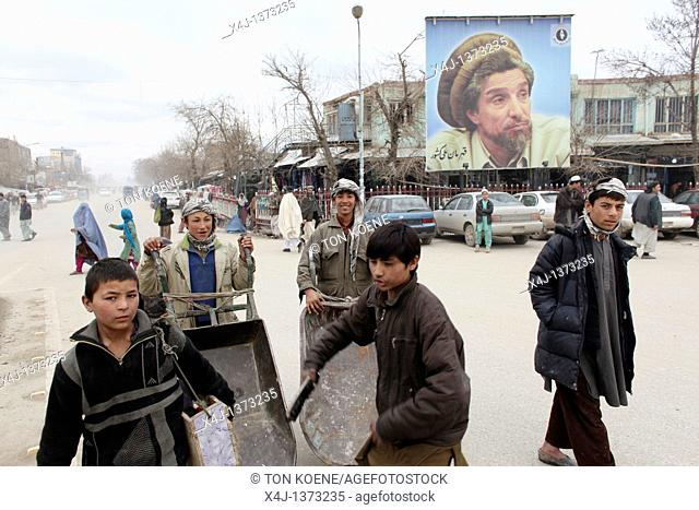 Daily life on the market in Kunduz