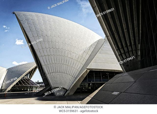 famous sydney landmark opera house view in australia on sunny day