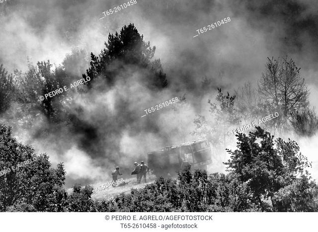 Forest fire in the province of Lugo, Galicia, Spain (27/07/2015)