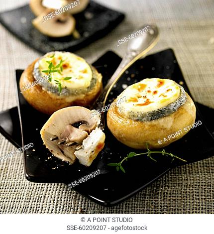 Button mushrooms stuffed with goat's cheese