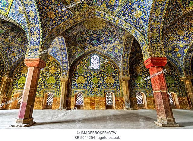 South Iwan Prayer hall, Masjed-e Imam Mosque, Esfahan, Iran, Asia