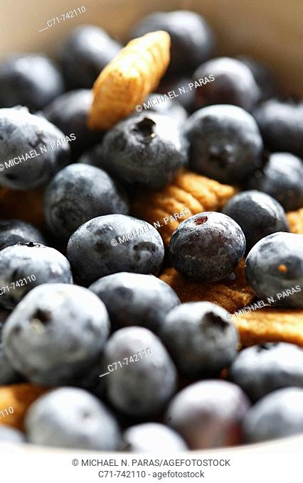 Blueberries with cereal