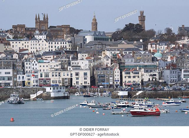 SAINT PETER PORT, TOWN DOMINATED BY THE ELIZABETH COLLEGE AND THE VICTORIA TOWER, GUERNSEY, CHANNEL ISLANDS
