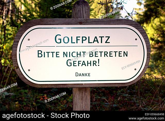 Hinweisschild im Allgäu/Deutschland - Information sign in Allgäu/Germany
