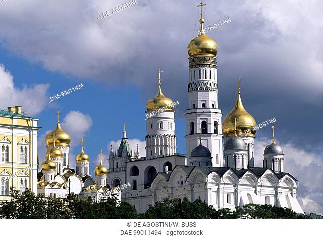 Annunciation Cathedral (15th-16th century), and Ivan the Great Bell Tower (1505-1508), design by Marco Bono, Kremlin Palace (Unesco World Heritage List, 1990)