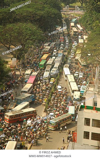 Traffic jam in Dhaka, the capital city of Bangladesh November 26, 2006