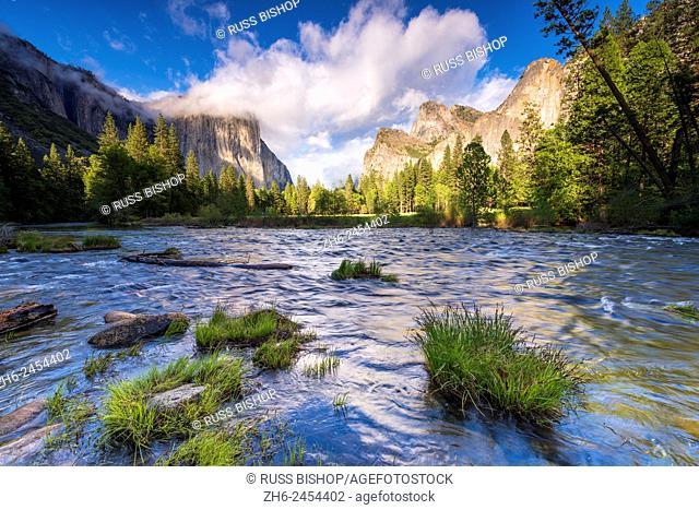 Gates of the Valley, Yosemite National Park, California USA