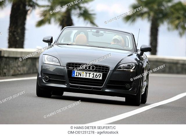 Audi TT Roadster 3.2 Quattro, model year 2007-, anthracite, driving, diagonal from the front, frontal view, landsapprox.e, country road, open top