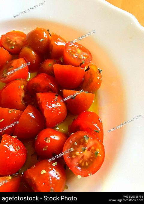 Cherry tomatoes with olive oil