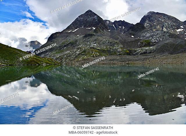 Grosser Gradensee (lake) with Petzeck and Kruckelkopf (mountains) in background