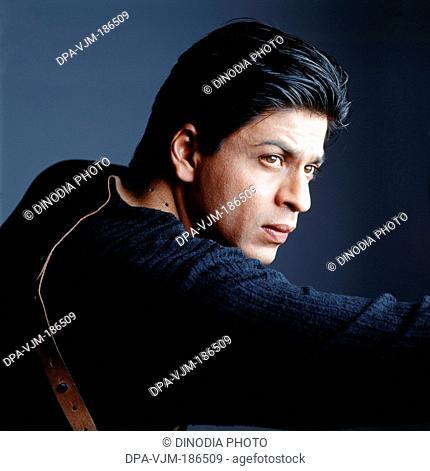 2001 Shahrukh Khan posing