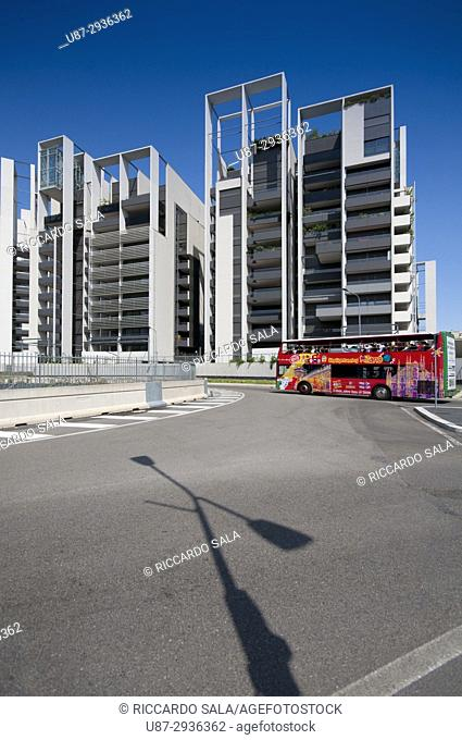 Italy, Lombardy, Milan, Portello District, Residenze Parco Vittoria by Studio Canali Associati, City Sightseeing Bus