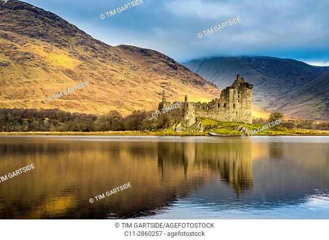 Kilchurn Castle, Loch Awe, Argyll and Bute, Scotland, uk