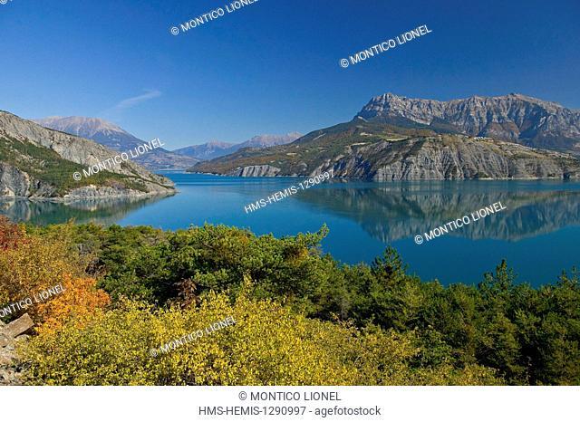 France, Alpes de Haute Provence, the lake of Serre Poncon