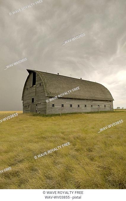 Large unpainted barn on the prairies, Ceylon, Saskatchewan