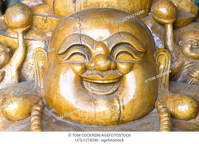 Craft shop carving, Phlauv 1, Battambang, Cambodia