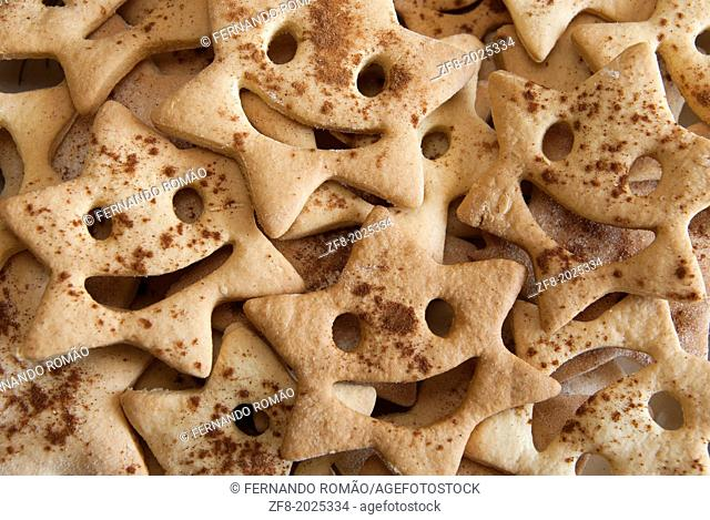 Home made star biscuits with cinnamon