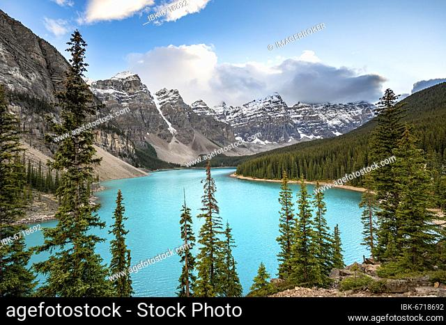 Mountain range behind turquoise glacial lake, Moraine Lake, Valley of the Ten Peaks, Rocky Mountains, Banff National Park, Alberta Province, Canada