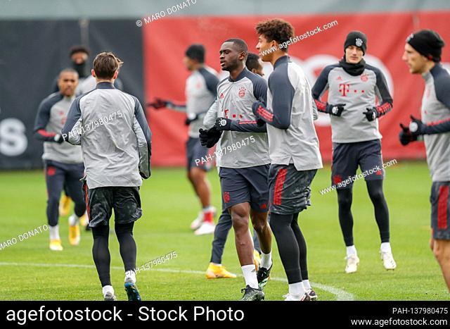 Tanguy Nianzou Kouassi (FC Bayern Munich), Christopher (Chris) RICHARDS (FCB). Final training before the CL game FC Bayern Munich-FC Lokomotive Moscow