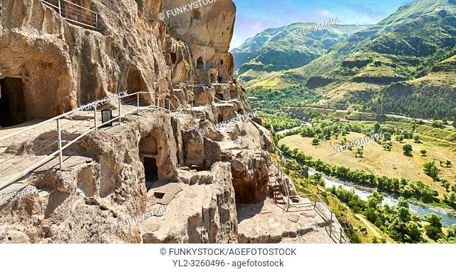 Picture & image of Vardzia medieval cave city and monastery, Erusheti Mountain, southern Georgia (country)