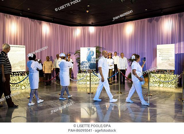Nurses pay tribute to Fidel in the Plaza de la Revolucion in Havana, Cuba, 29 November 2016. Photo: Lisette Poole/dpa | usage worldwide