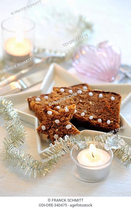 Honey and saffron gingerbread