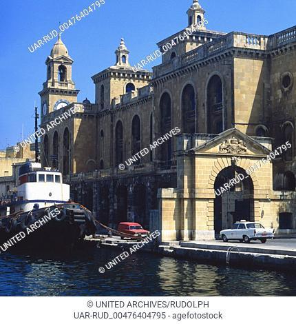 Reise nach Malta. Stadtansichten von Valletta, Hauptstadt von Malta. Travel to Malta. View of the city Valletta, Capital of Malta. 1975