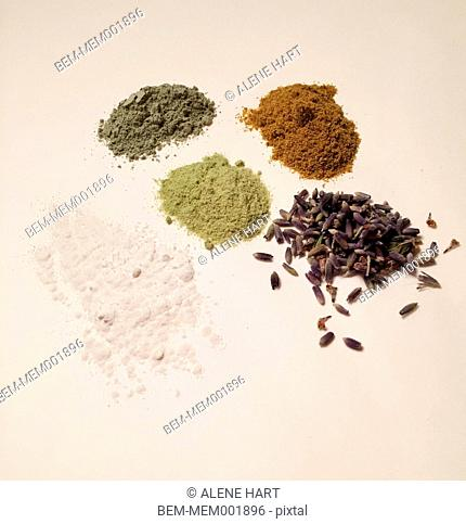 Ground powders, spices and lavender
