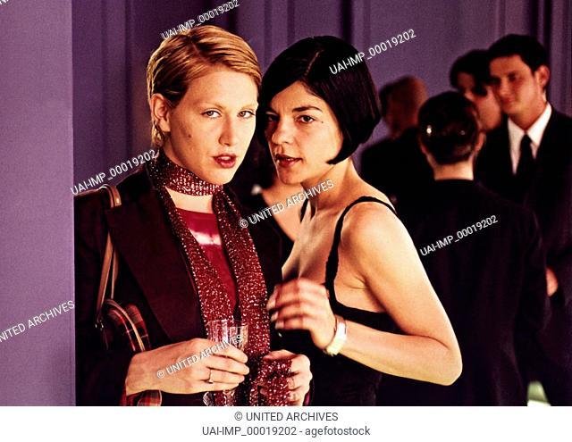 Mondscheintarif, (MONDSCHEINTARIF) D 2001, Regie: Ralf Huettner, GRUSCHENKA STEVENS JASMIN TABATABEI