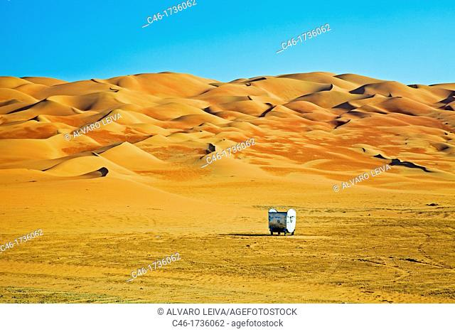 rubbish container, Sand dunes, Moreeb hill, Liwa oasis, Abu Dhabi, United Arab Emirates, Middle East