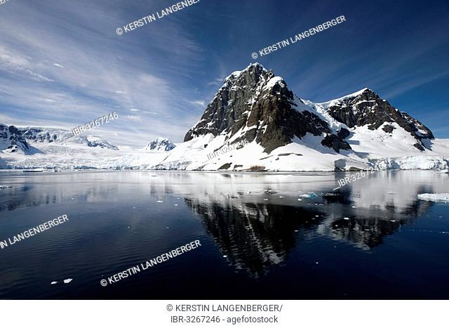 Glaciated mountains in the Lemaire Channel