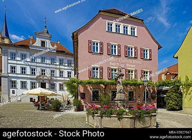 Town hall and Gasthaus Goldene Krone with Marienbrunnen at the market in Iphofen, Lower Franconia, District of Kitzingen, Bavaria, Germany