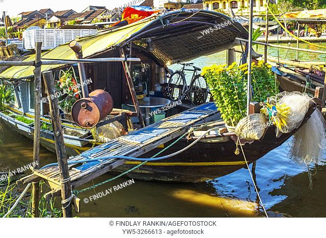 Traditional Vietnamese house boat on Son Thu Bon river at Hoi An, Quang Nam Provence, Vietnam, Asia
