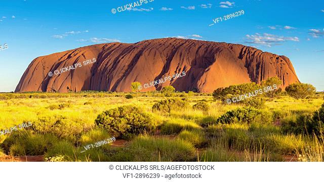 Uluru (Ayers Rock), Uluru-Kata Tjuta National Park, Northern Territory, Central Australia, Australia