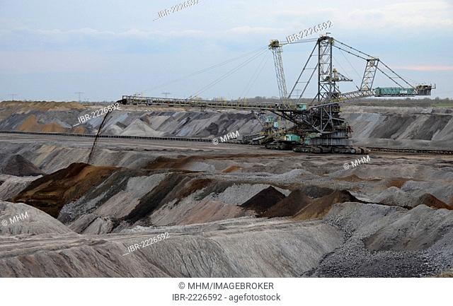 Spreader used in open cast lignite mining, Vereinigtes Schleenhain colliery, Saxony, Thuringia, Germany, Europe