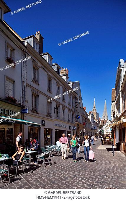 France, Eure et Loir, Chartres, pedestrian downtown, Rue Delacroix
