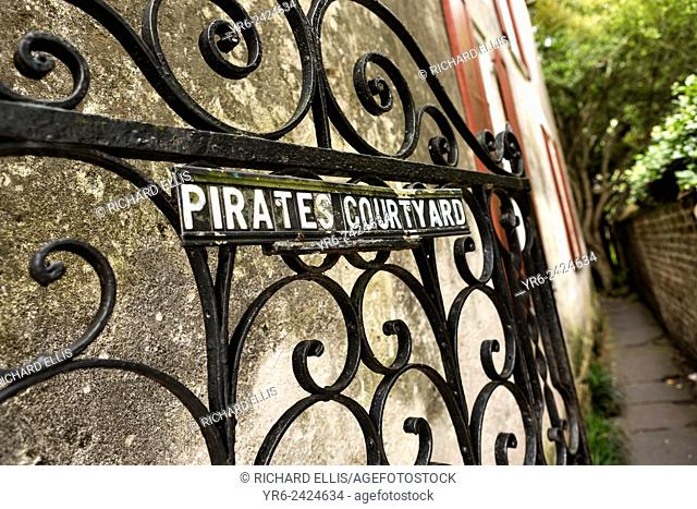 The garden gate to the Pirates Courtyard along Church Street in historic Charleston, SC