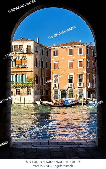 Grand Canal seen from Rialto Market, Venice, Veneto, Italy, Europe