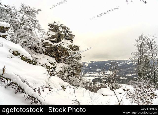 Verschneite Winterlandschaft Bruchhauser Steine im Sauerland, Bruchhausen, Olsberg, Hochsauerlandkreis, Nordrhein-Westfalen | Snowy winter landscape Bruchhauser...