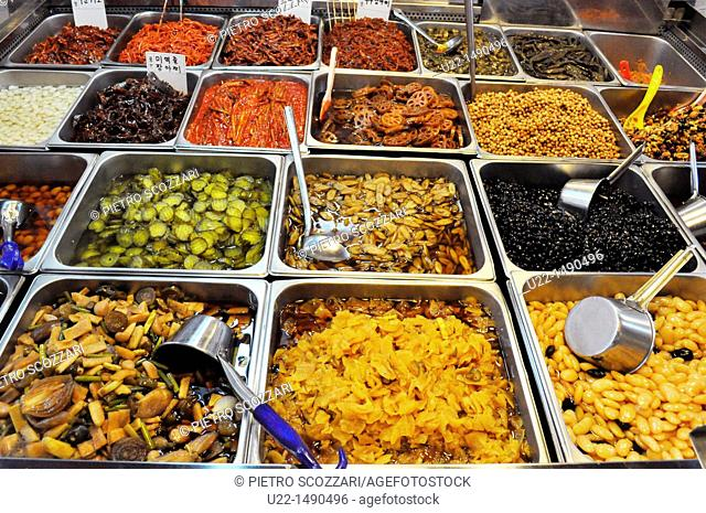 Busan (South Korea): spicy food sold at the Bujeon Market