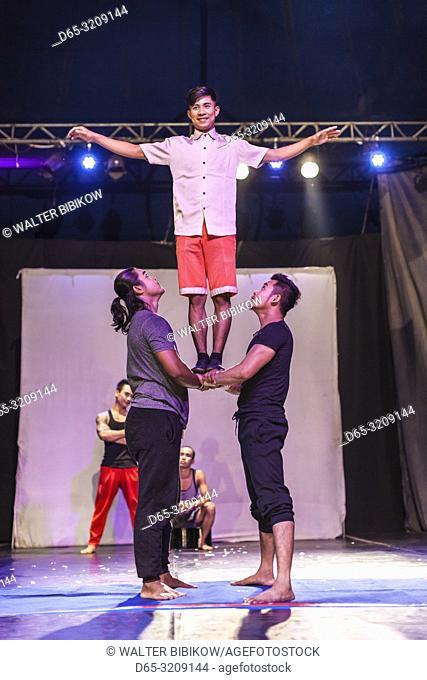 Cambodia, Battambang, Phar Ponleu Selpak, arts and circus school, acrobats during circus performance, ER